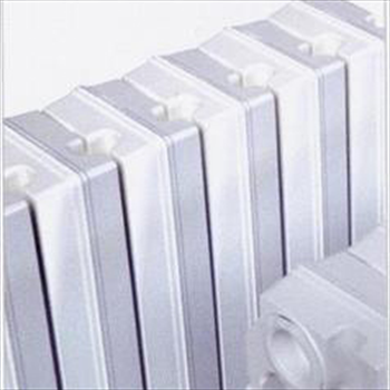 Tema 4 558 radiatore ghisa prezzo per 1 elementi emento for Ideal clima radiatori ghisa