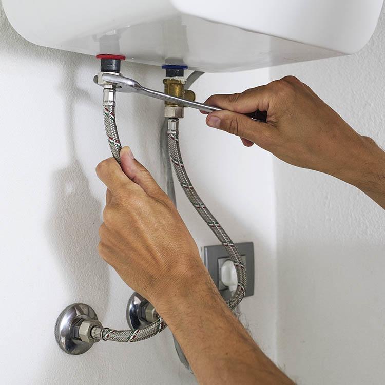 Installazione impianti riscaldamento servizi desivero - Installazione scaldabagno elettrico ...