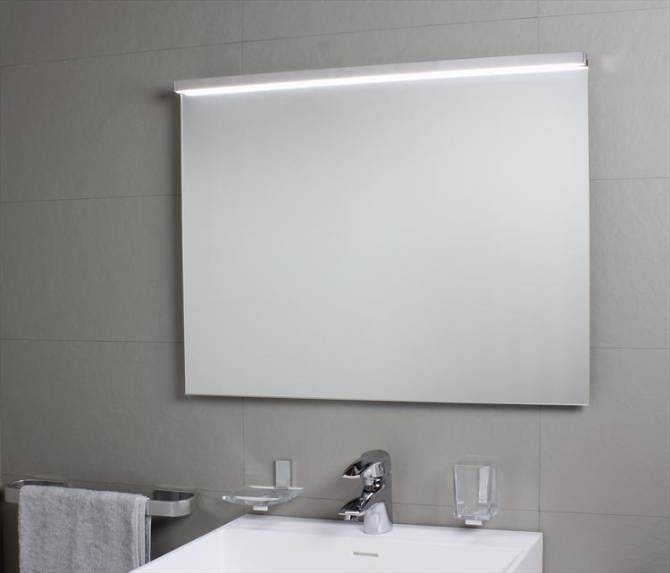 Lampada Da Bagno Per Specchio.Lampade E Specchi Da Bagno Sartoria Prodotti Prezzi E Offerte